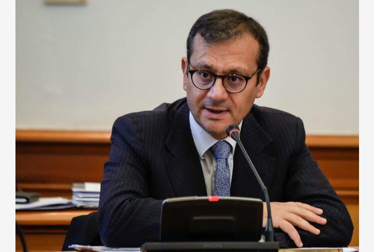 """Corruzione in atti giudiziari, ai domiciliari l'ex commissario dell'Ilva Enrico Laghi. """"Favoriva Capristo e l'avvocato Ragno"""""""